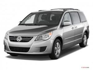 2010 Volkswagen Routan Angularfront